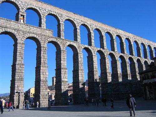 800px-Segovia_Aqueduct.JPG